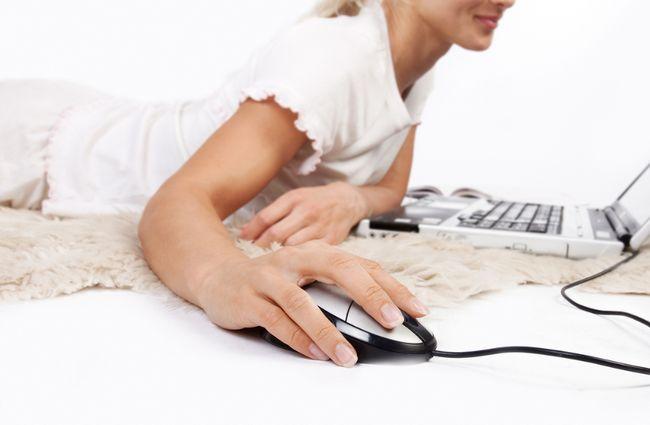 Internet computer woman
