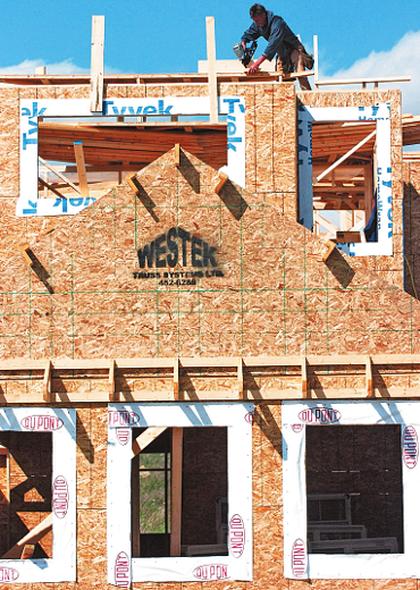 Housing starts lag behind 2010