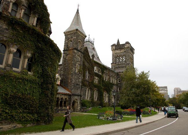 The University College building at the University of Toronto. (Michael Peake/Toronto Sun)