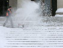 Snow clearing Manitoba Legislature