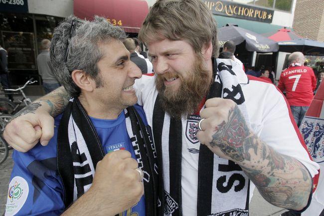 italy ohn Iaquinta england Mike MeadusShip and Anchor Pub Euro 2012