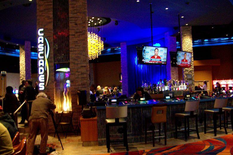 Mohawk casino poker room casinos london