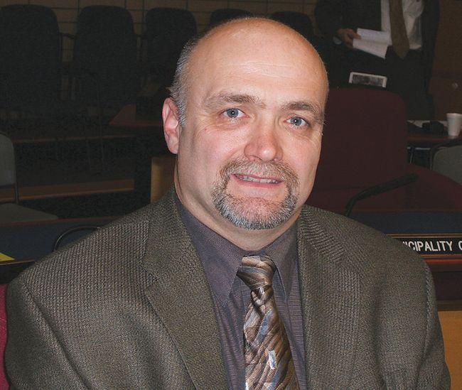 Greater Madawaska mayor Peter Emon will succeed Petawawa mayor Bob Sweet as Renfrew County Warden in December.