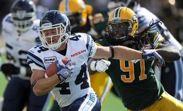Edmonton Eskimos' Marcus Howard gives chase during a CFL football game against the Toronto Argonauts in Edmonton June 30, 2012. (REUTERS/Dan Riedlhuber)