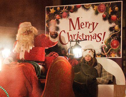 Santa's Parade of Lights. (Svjetlana Mlinarevic/Portage Daily Graphic/QMI Agency)