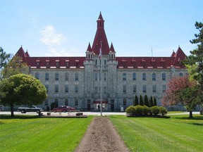 Collins Bay Institution