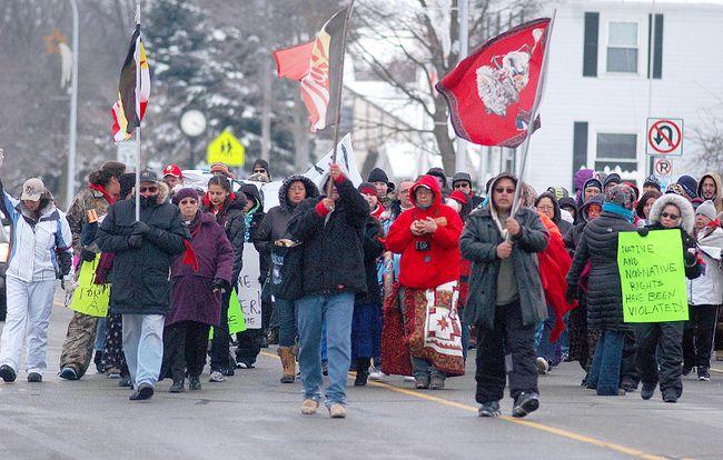 Idle No More protesters from Walpole Island are shown in Algonac, Mich. on Sunday. DAVID GOUGH david.gough@sunmedia.ca