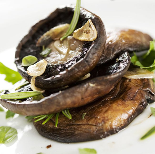 Portobello mushrooms, (Broilkingbbq.com)