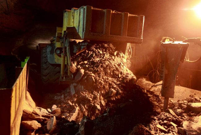 KGHM's Polkowice-Sieroszowice copper ore mine is seen in Polkowice in this July 29, 2011 file photo.  REUTERS/Kacper Pempel/Files