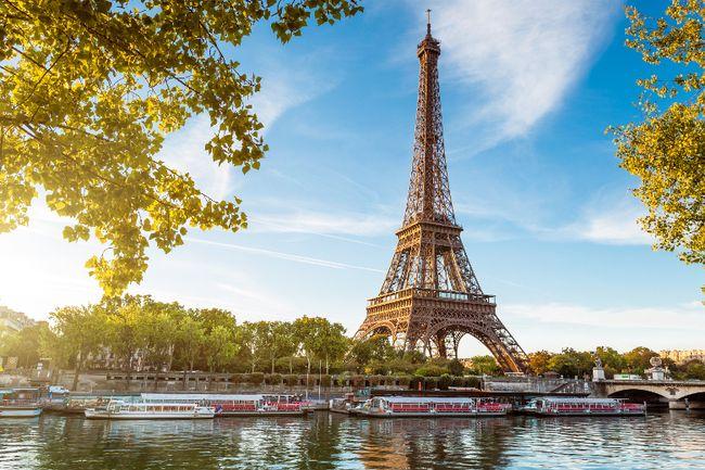 Eiffel Tower, Paris. (Fotolia)
