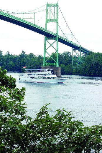 Canada-bound motorists delayed