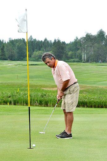 Mens amateur golf tournament spruce needles