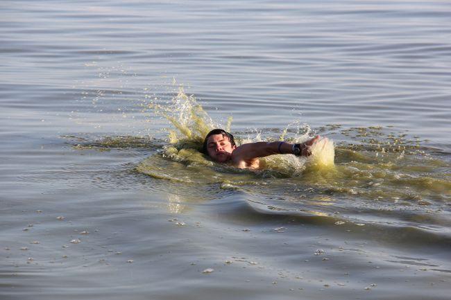 how to become a swim instructor ontario