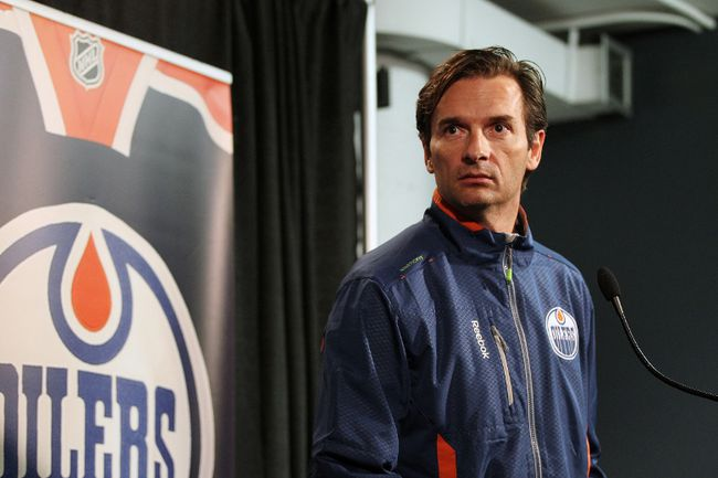 Edmonton Oilers head coach Dallas Eakins