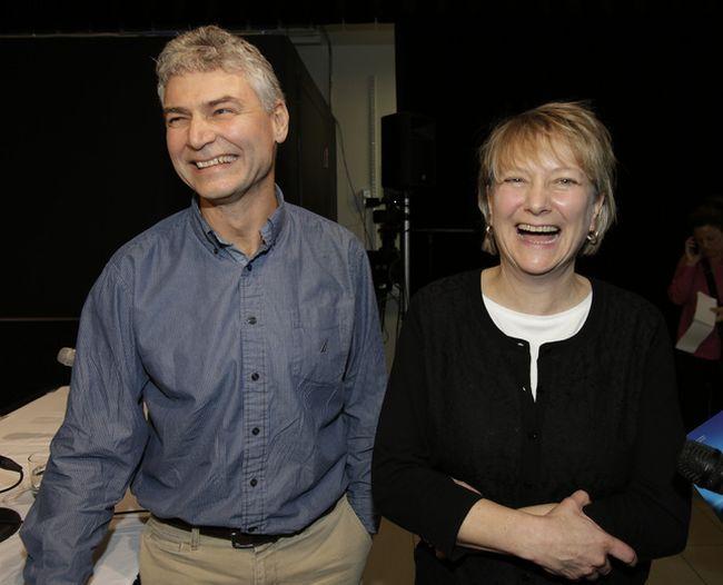 Kathryn Jones,  with her husband, Robert, at an OLG press conference,   Craig Robertson/Toronto Sun/QMI Agency