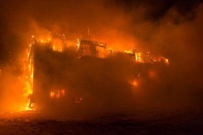 Trois personnes sont mortes et trente autres manquaient � l�appel, le jeudi 23 janvier 2014, apr�s qu�une r�sidence pour personnes �g�es eut �t� la proie d�un important incendie, � L�Isle-Verte, pr�s de Rivi�re-du-Loup.  UTILISATION PERMISE SUR TOUTES LES PLATE-FORMES, � L'EXCEPTION DU JOURNAL �LE SAINT-LAURENT PORTAGE� POUR QUI L'UTILISATION EST INTERDITE  CR�DIT OBLIGATOIRE: FRAN�OIS DROUIN/INFO DIMANCHE/AGENCE QMI  REVENTE INTERDITE