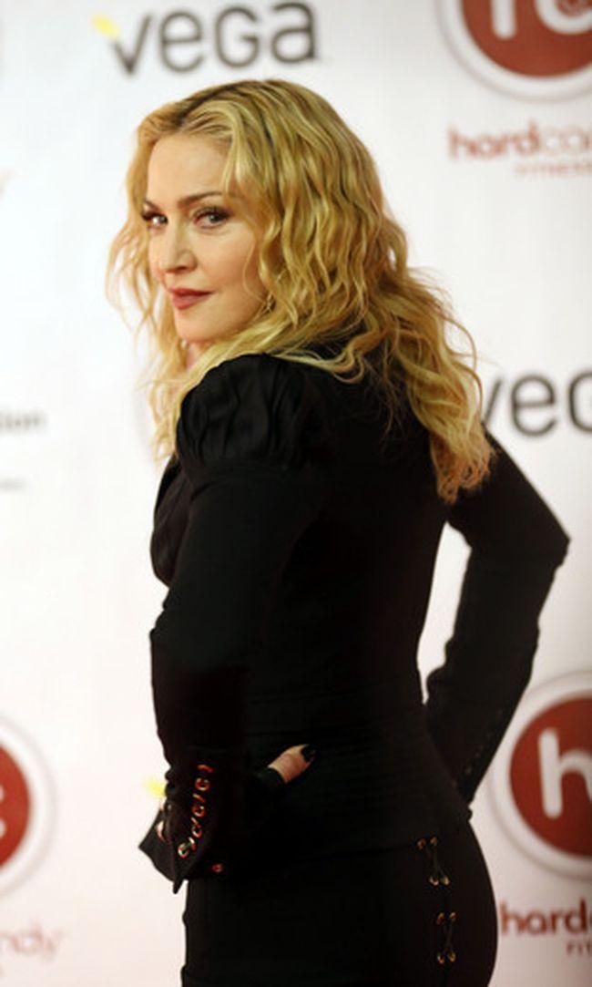 Madonna's Hard Candy Hits T.O._1