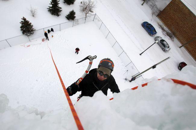 Ice climbing tower