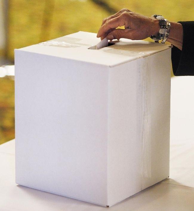 Ballot box. (TOM BRAID/QMI AGENCY FILE PHOTO)