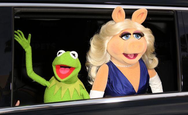 "Miss Piggy with Kermit the Frog (<A HREF=""http://www.wenn.com"" TARGET=""newwindow"">WENN.COM</a>)"