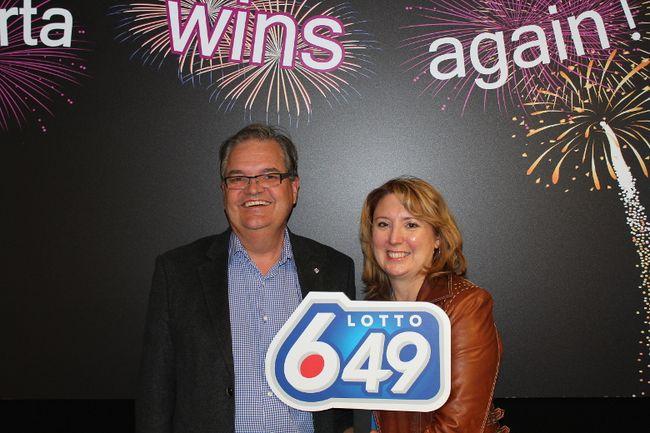 Deidre and Michael Tkachyk won $7.2 million playing Lotto 6/49. (Photo courtesy WCLC)