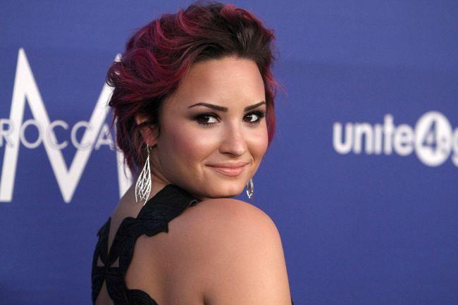 "Demi Lovato (<A HREF=""http://www.wenn.com"" TARGET=""newwindow"">WENN.COM</a>)"
