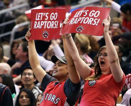 Raptors fans