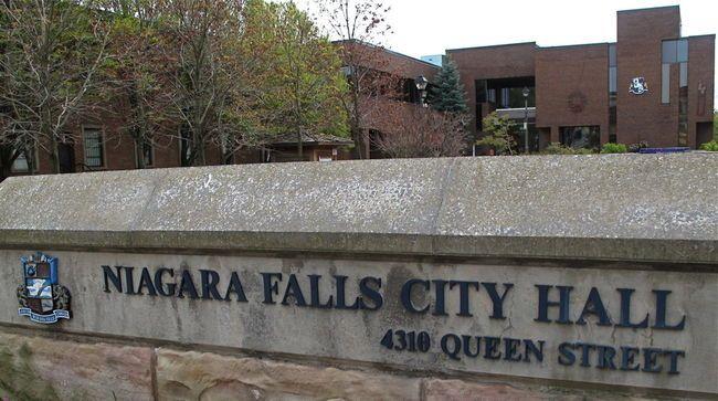 Niagara Falls City Hall (Ray Spiteri/QMI Agency)