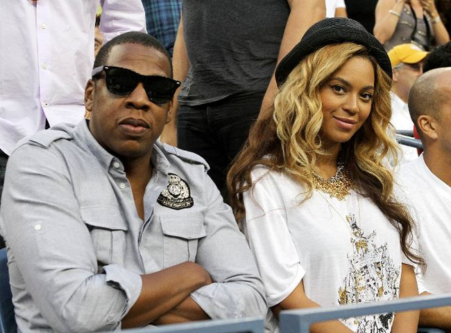 "Jay Z and Beyonce (<A HREF=""http://www.wenn.com"" TARGET=""newwindow"">WENN.COM</a>)"