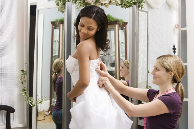 Wedding dress shopping. (Fotolia/Photo illustration)
