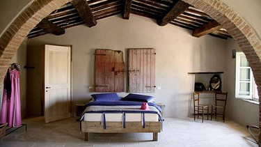 Follonico, Tuscany, Italy: Idyllic Italian scenery, eccentric décor and unconventional charm await sweethearts on romantic Italian trips. (Courtesy Mr & Mrs Smith)