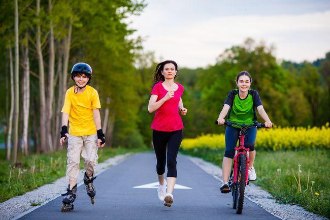 Having children walk, bike to school not enough. (Fotolia)