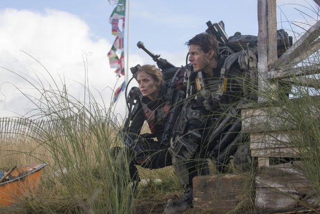 "Tom Cruise and Emily Blunt in ""Edge of Tomorrow."" (SCREENSHOT)"