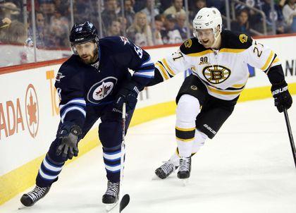 RE_2014_04_11T033816Z_130102696_NOCID_RTRMADP_3_NHL_BOSTON_BRUI