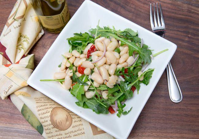 Tuscan bean salad. (CRAIG GLOVER/QMI AGENCY)