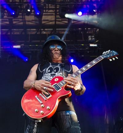 Slash playing with Myles Kennedy & the Conspirators performing at Bluesfest in Ottawa on Friday July 11, 2014. Errol McGihon/Ottawa Sun/QMI Agency