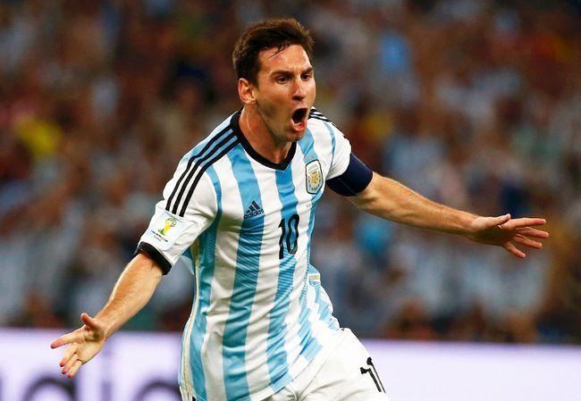 Argentina's Lionel Messi celebrates scoring a goal against Bosnia during their World Cup Group F match at Maracana Stadium in Rio de Janeiro, June 15, 2014. (MICHAEL DALDER/Reuters)