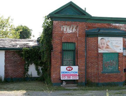 <p>Bailey Broom Factory on Cataraqui Street. IAN MACALPINE/KINGSTON WHIG-STANDARD