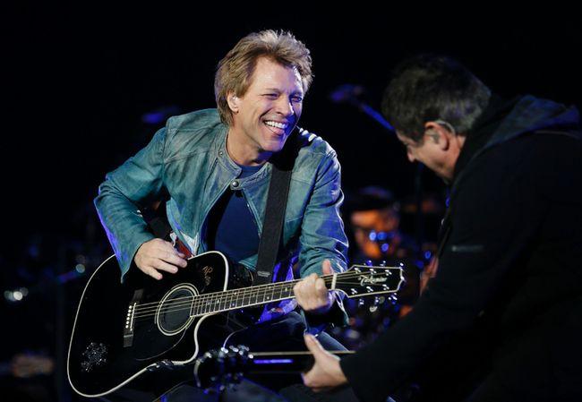 Jon Bon Jovi is part of a Toronto group trying to buy the Buffalo Bills. (JOEL LEMAY/QMI Agency)