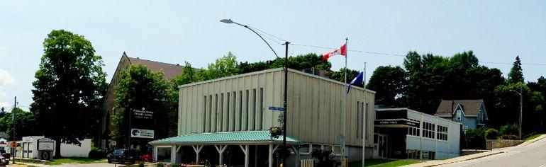 Wiarton Town Hall, Berford St, Wiarton, ON. Nelson Phillips photo.
