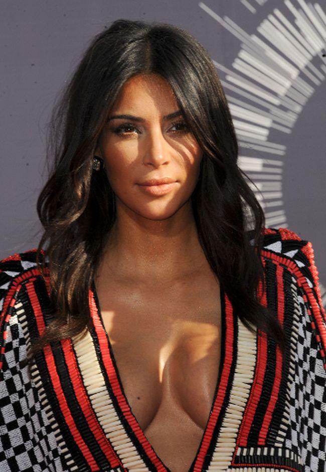 "Kim Kardashian. (<A HREF=""http://www.wenn.com"" TARGET=""newwindow"">WENN.COM</a>)"