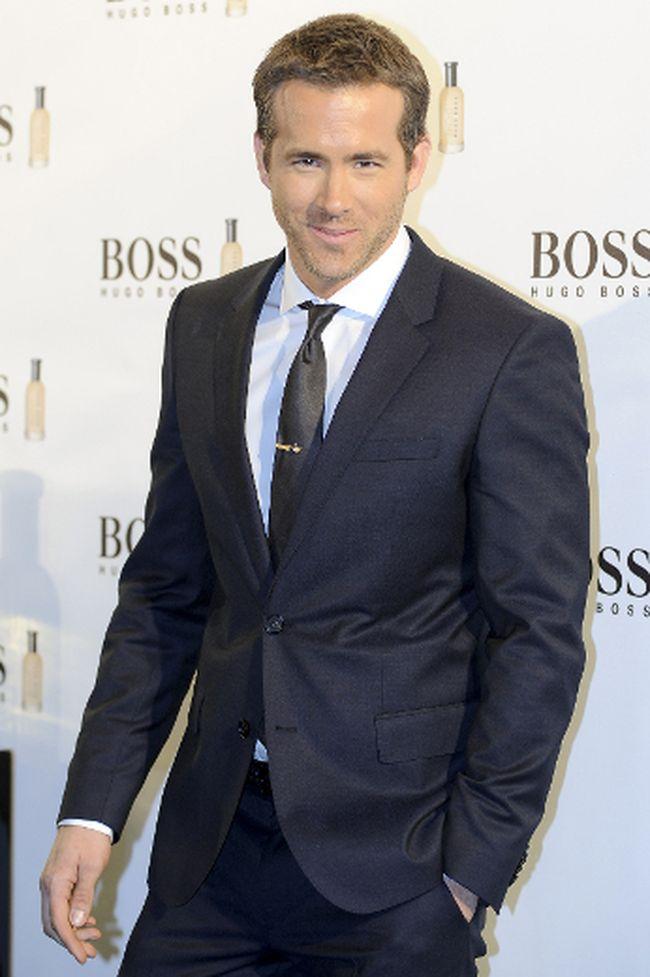 """Ryan Reynolds. (<A HREF=""""http://www.wenn.com"""" TARGET=""""newwindow"""">WENN.COM</a>)"""