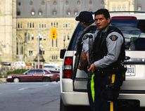 Police had locked down Parliament Hill after a shooting in Ottawa, Oct. 22, 2014. (MATTHEW USHERWOOD/QMI Agency)