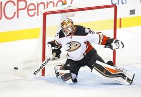 Anaheim Ducks goalie Frederik Andersen. (TIM HEITMAN/USA TODAY Sports)