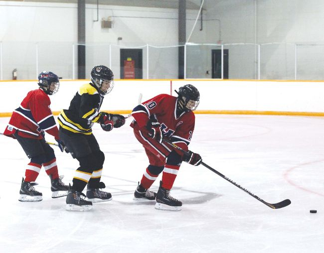 Wetaskiwin hockey tournament Nov. 21 2014 | Wetaskiwin Times