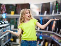 Tech shopping - flustered