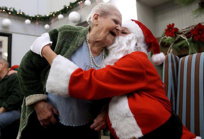Photos;Santa visits seniors Dec. 23, 2014