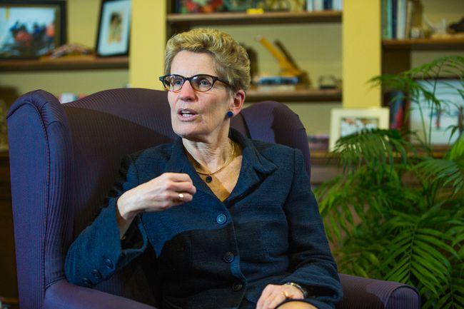 Ontario Premier Kathleen Wynne in her Queen's Park office in Toronto. (Ernest Doroszuk/Toronto Sun)