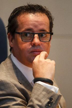Coun. Michael Oshry criticized Premier Jim Prentice's move  to trim cabinet salaries by 5 per cent. (Edmonton Sun)