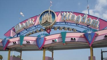 Magic Kingdom, Walt Disney World by Mandy Bonnett. Theme: Signs (Feb. 19, 2015)